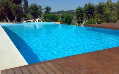 Como tratar as piscinas no Outono